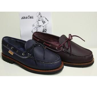 Apache modelo clásico Marino y Burdeos